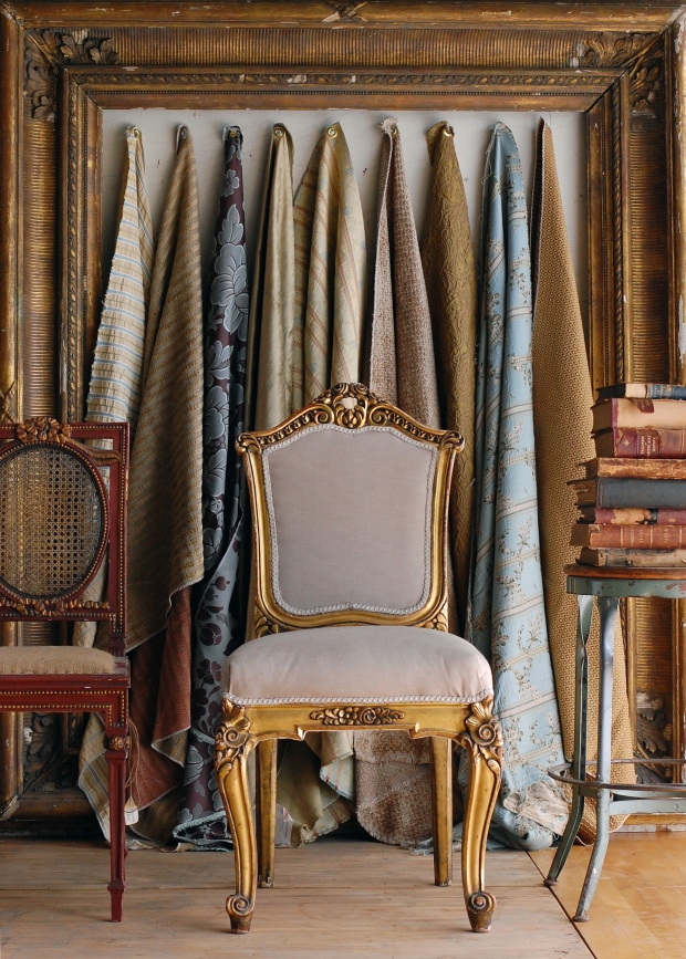 chairs.fabrics.frame