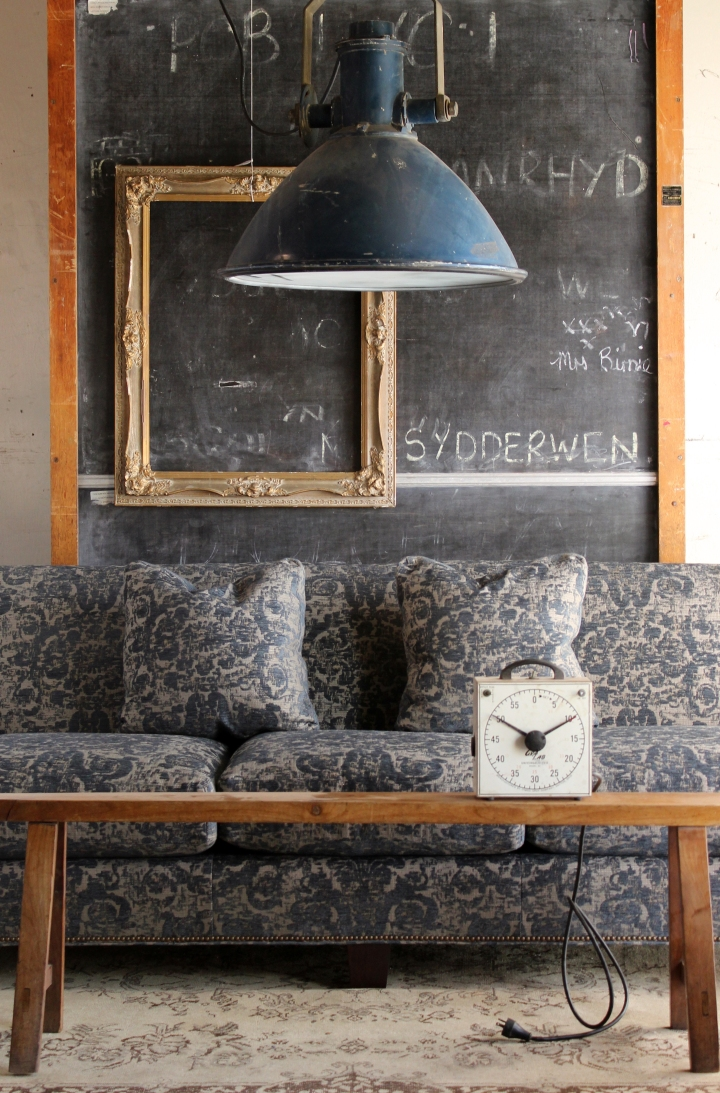 dark.sofa.chalkboard