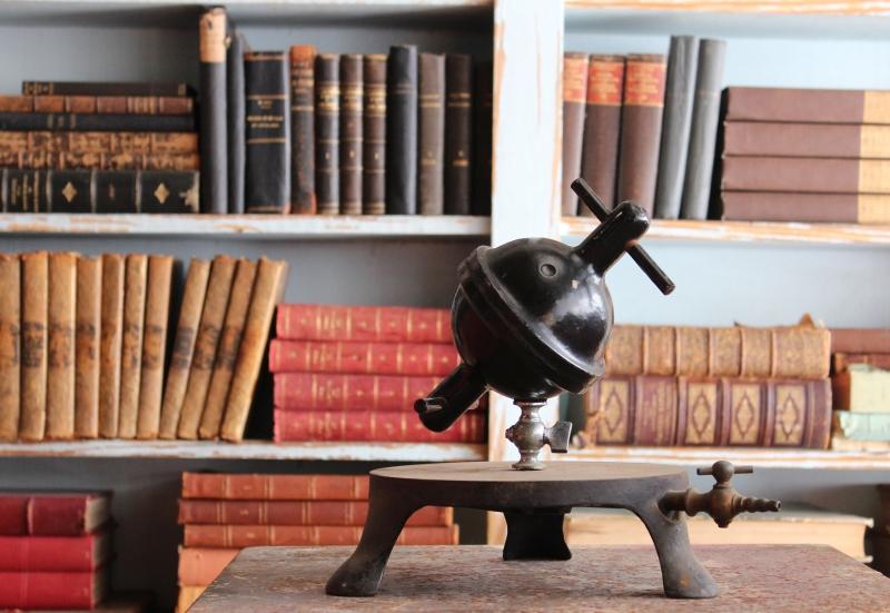 tool.bookshelf